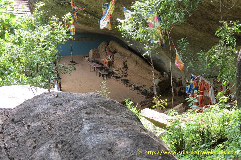 Hulan Nuge Buddha Statue