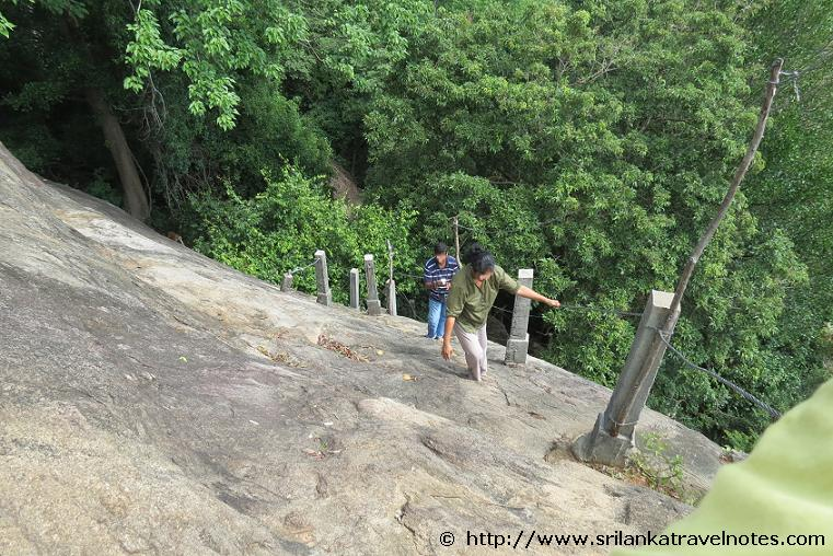 Path to the top for famouse Hulan Nuge caves
