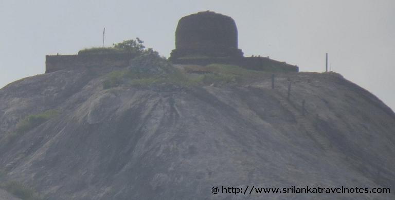 Kudumbigala Monanstry pagoda – unique cylindrical shape